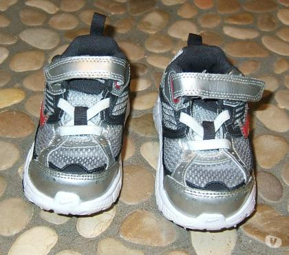 Photos Vivastreet Paire de baskets Nike pointure 21,5
