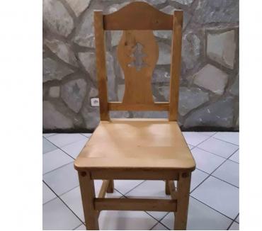 Photos Vivastreet Chaise en bois d'épicéa