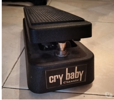 Photos Vivastreet Pédale Wah Wah Dunlop Cry­baby Classic Model CGB-95F