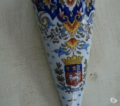 Photos Vivastreet Corne en porcelaine avec blason de ROUEN