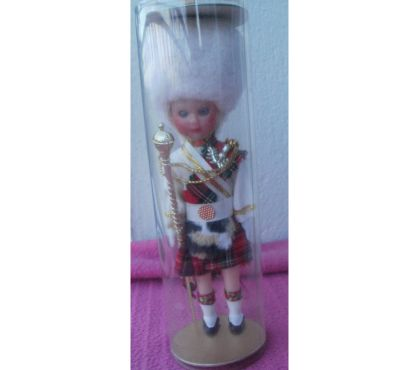 Photos Vivastreet Poupee folklorique de la garde écossaisse, tambour