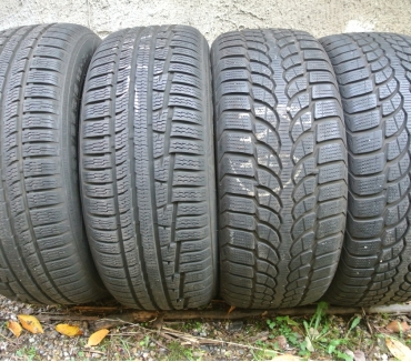 Photos Vivastreet 4 pneus neige 2255516 95H Nokian TTBE
