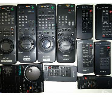 Photos Vivastreet Lot de 10 télécommandes caméscope, Hi8 salon et VHS sony
