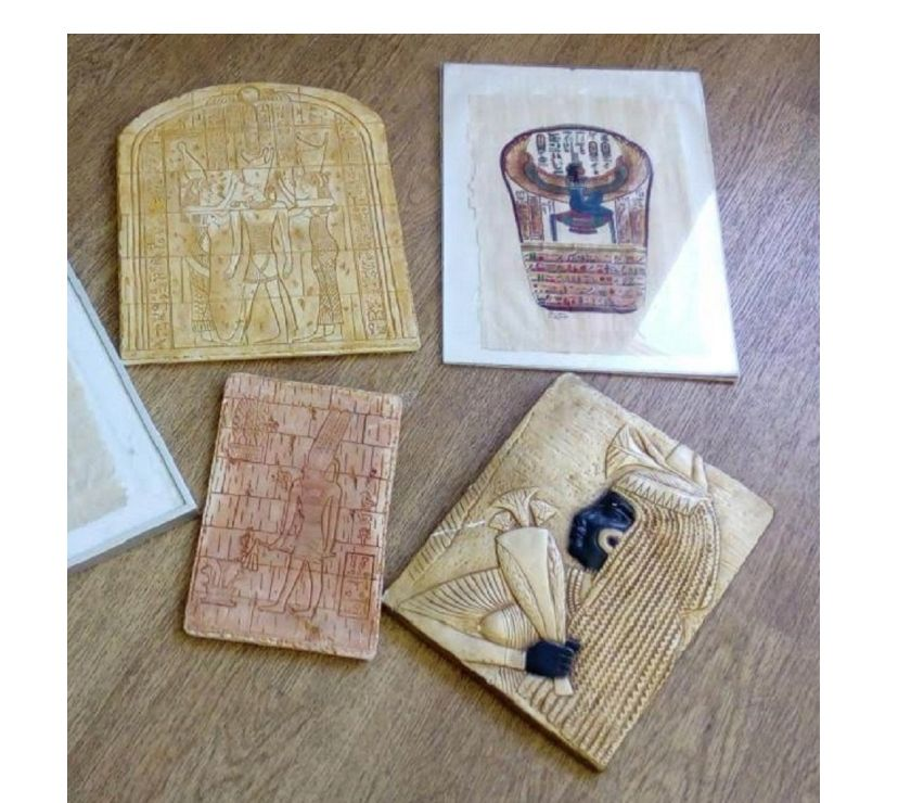 Photos Vivastreet DIVERS Choix art Egypte Papyrus et tablettes hiéroglyphes