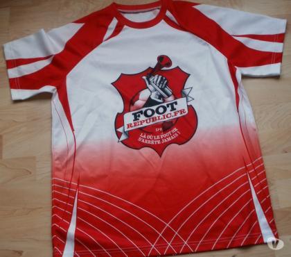 Photos Vivastreet Maillot de football publicitaire FOOT REPUBLIC.FR Taille M