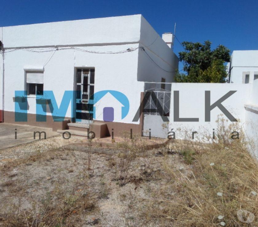 Photos Vivastreet Jolie maison typique de pécheurs à restaurer à Olhão V-1010