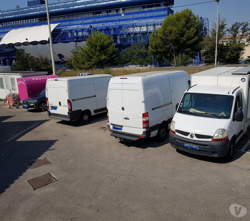 Photos Vivastreet Rare 1 place parking pour utilitaire fourgon van camping-car