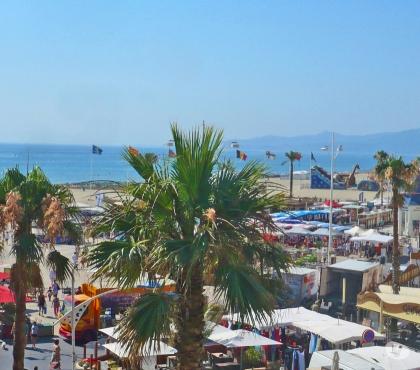 Photos Vivastreet F2 48m² balcon 17m² 40m plage clair tbelle vue mer et centre