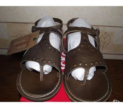 Photos Vivastreet sandales kickers NEUVES cuir 36 femme fille 69 euros kap2