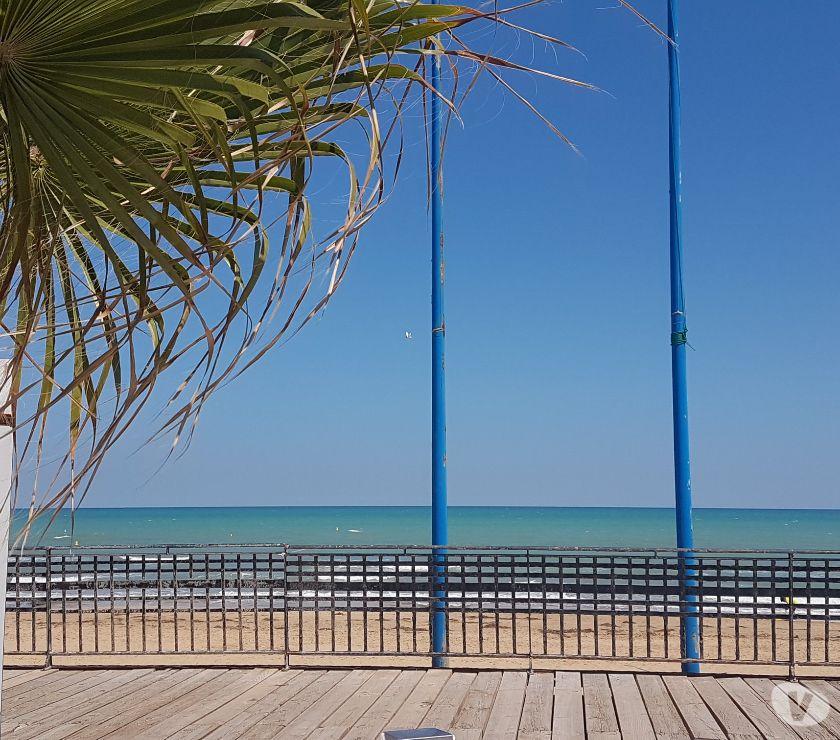 Photos Vivastreet Appartement vue sur mer à 80 mètres de la plage