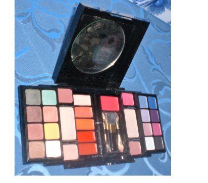Photos Vivastreet palette de maquillage BALMAIN
