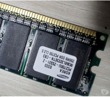Photos Vivastreet Barrette RAM SAMSUNG 256MB DDR PC2700 CL2.5 PC2700U-25331-Z