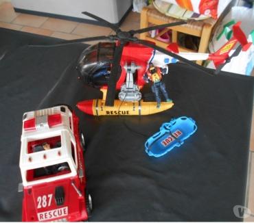 Photos Vivastreet Hélicoptère et véhicule de secours