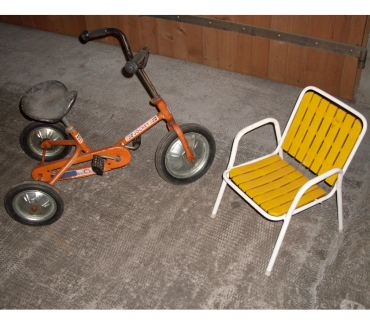 Photos Vivastreet Tricycle enfant + chaise de jardin