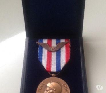 Photos Vivastreet Médaille aéronautique Travail, Honneur, Dévouement