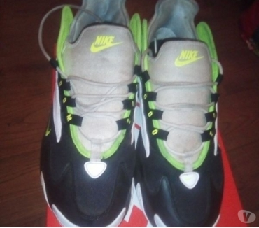 Photos Vivastreet Une paire de baskets Nike Zoom 2 k