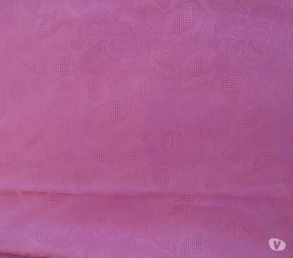 Photos Vivastreet NAPPE rectangulaire rose 148x178