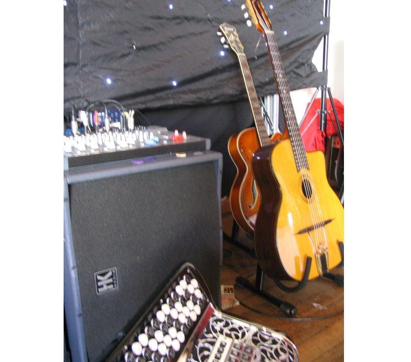 Photos Vivastreet Cocktail, concert, musique swing et jazz manouche - Kia ora