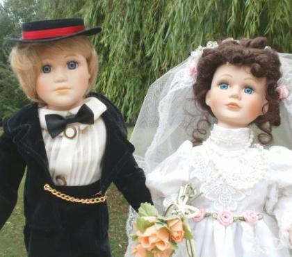 Photos Vivastreet AUTOMATES POUPEES DE COLLECTION - COUPLE DE MARIES