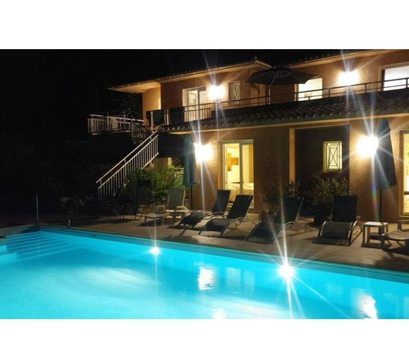 location saisonniere Corse-du-Sud Sari Solenzara - 20145 - Photos Vivastreet DERNIERE MINUTE MOINS 45% VILLA STG10p PISC CH plage à300m
