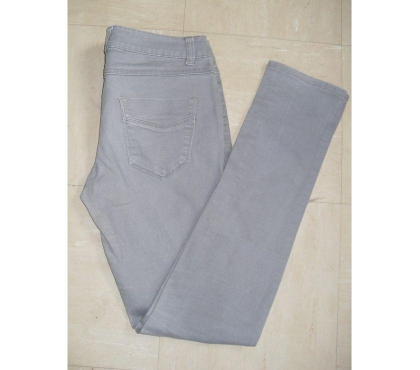 Vêtements occasion Gironde Floirac - 33270 - Photos Vivastreet Jeans Gris