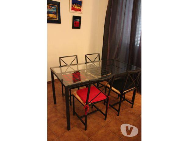vend table plus quatre chaise nimes 30000 meubles. Black Bedroom Furniture Sets. Home Design Ideas