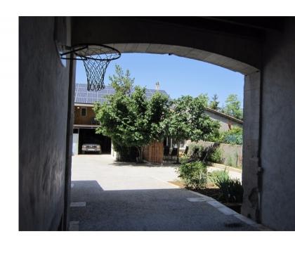 Photos Vivastreet MAISON JONZAC CENTRE : 3ch - 1 à 6 pers- cour privée