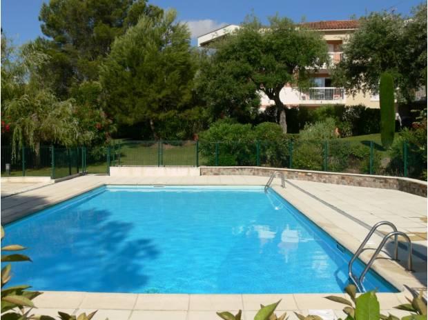 Photos Vivastreet Superbe 2 pièces Saint-Raphaël Valescure, vue golf, piscine