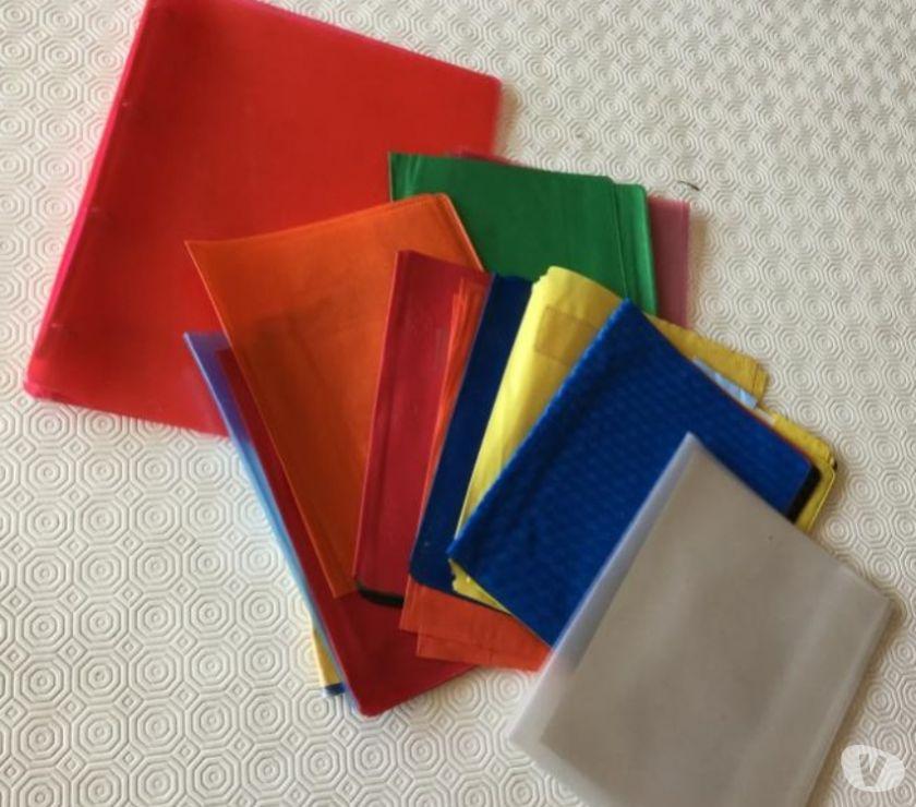 Photos Vivastreet Classeur et protèges cahiers petits le lot 4 euros