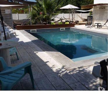 Photos Vivastreet Rez-de-jardin climatisé, terrasse, PISCINE CHAUFFEE.