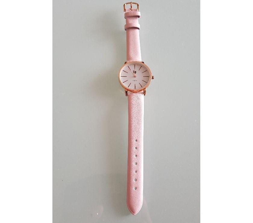 Photos Vivastreet Montre LIP classique Quartz avec un bracelet cuir rose