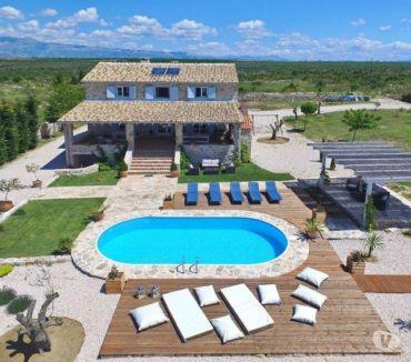 Photos Vivastreet Zadar, jolie villa en pierre avec piscine pour 12 pers.
