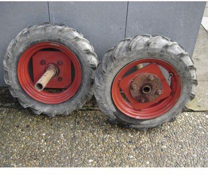 Photos Vivastreet roue agraire pneu dunlop 4.000-12 500-10 600-12