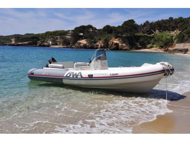location bateau saint raphael semi rigide bwa 22 gt de 2014 st raphael 83700 bateaux. Black Bedroom Furniture Sets. Home Design Ideas