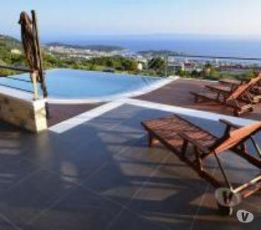Photos Vivastreet Makarska, magnifique villa avec piscine à débordement.