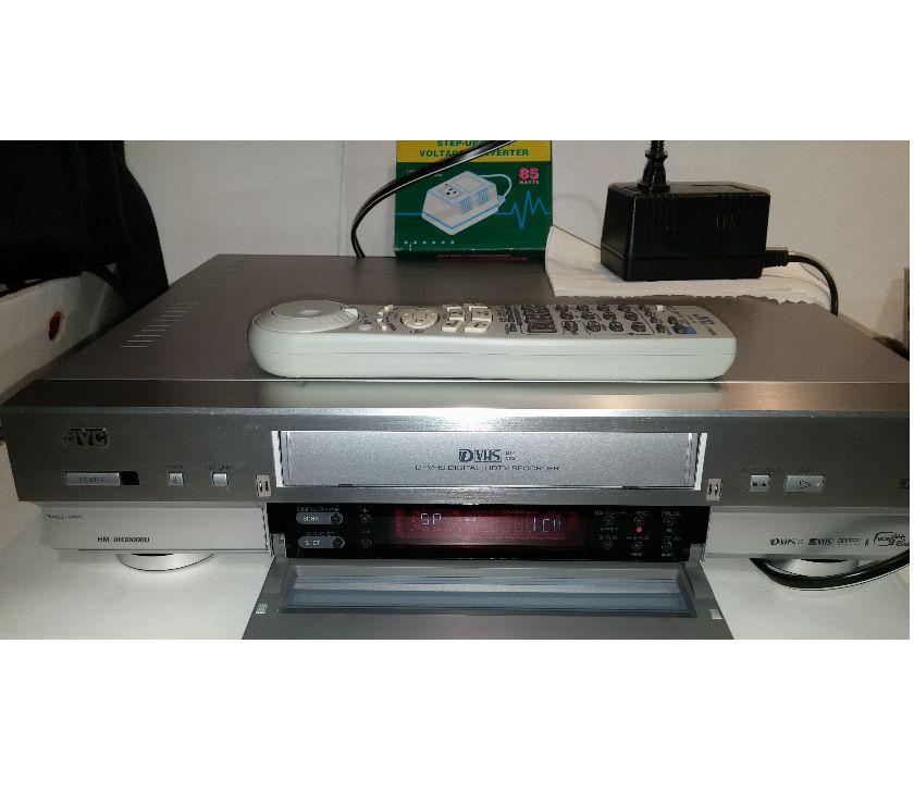 Photos Vivastreet Magnétoscope JVC HM-DH30000U D-Théât d-VHS SVHS Digital HDTV