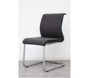 Photos Vivastreet Chaise visiteur Steelcase Think luge Poivre