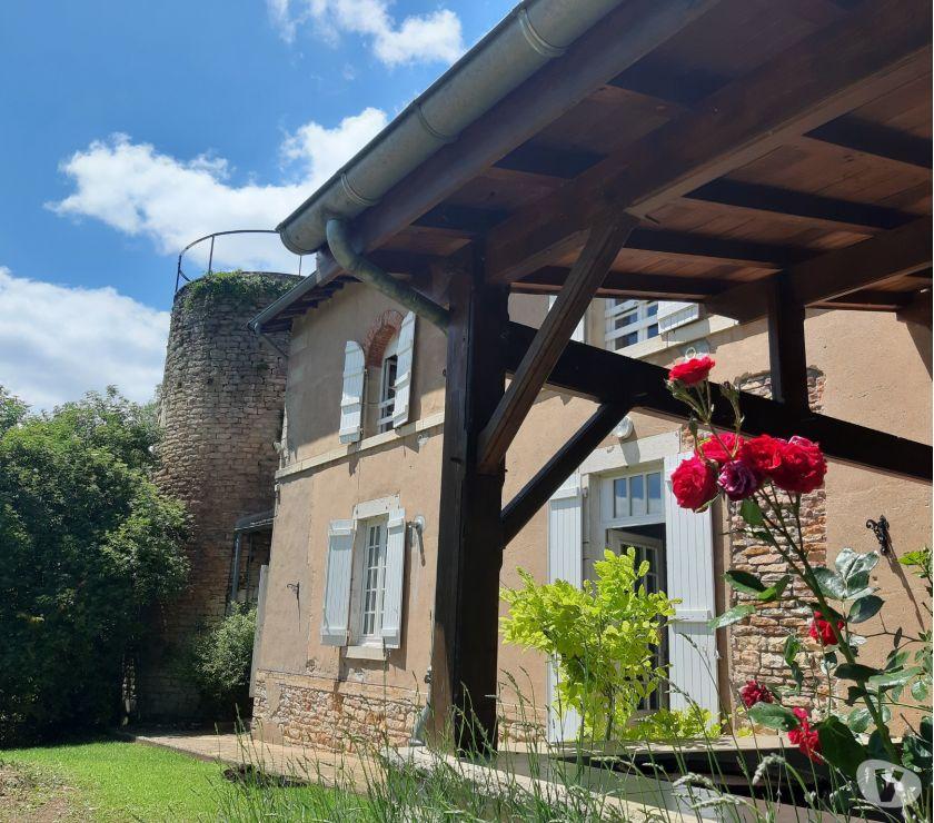 Photos Vivastreet Gite château de Dulphey Mancey Bourgogne