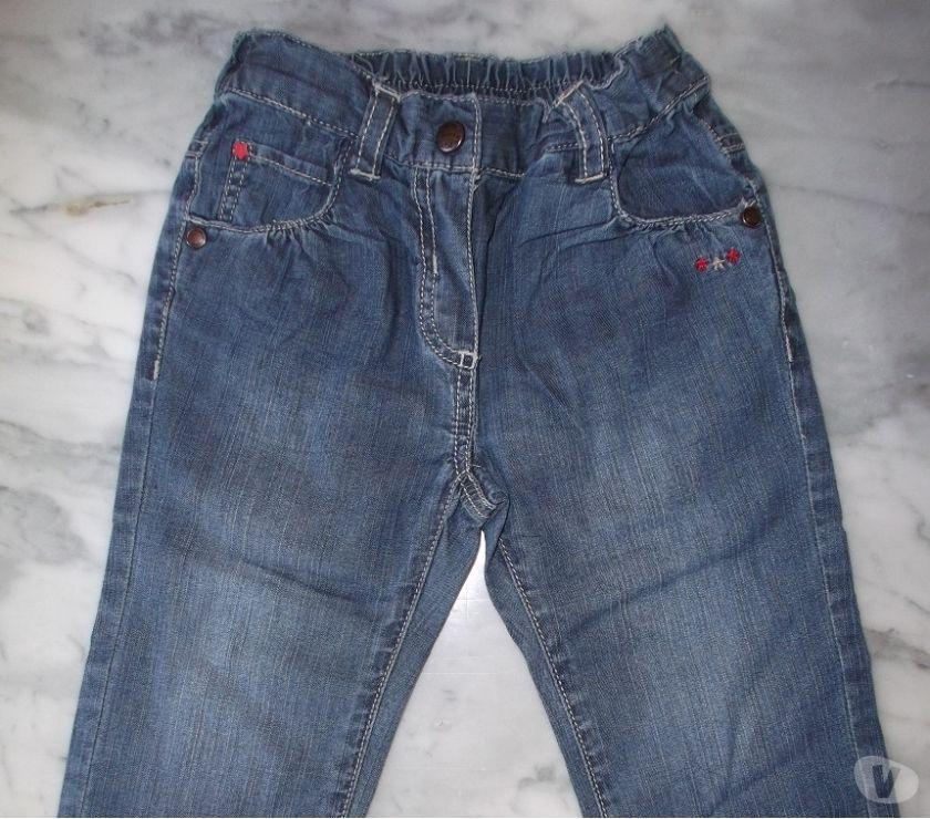 Photos Vivastreet Jeans fleurs 18M fille