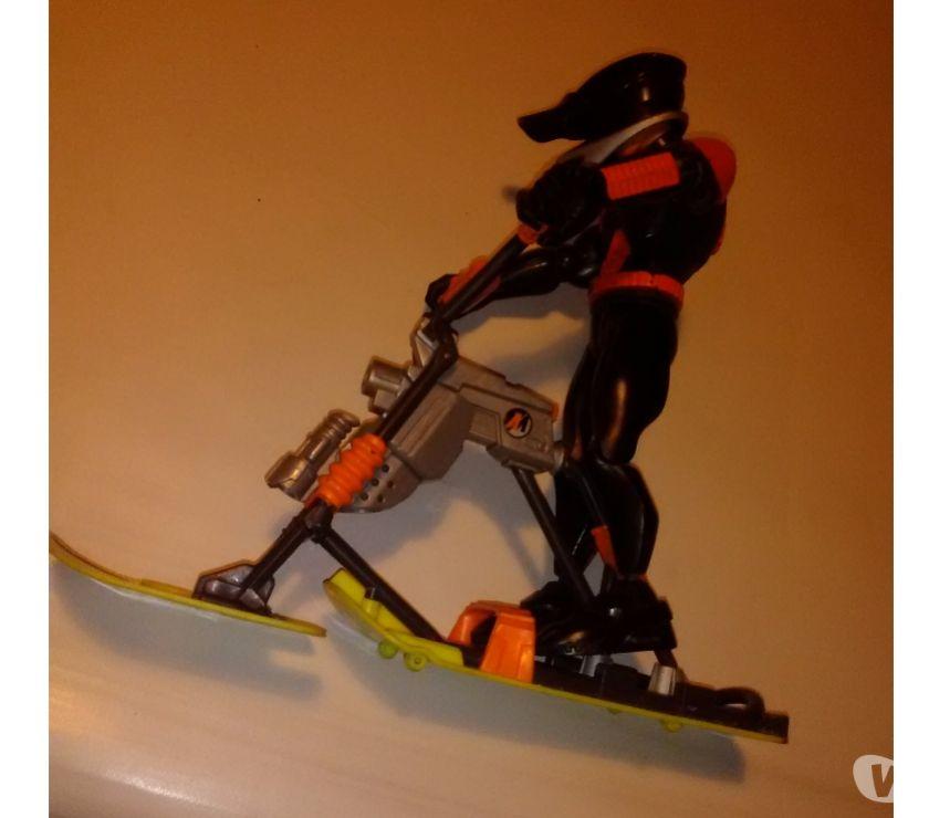 Photos Vivastreet Action man + accessoire ski