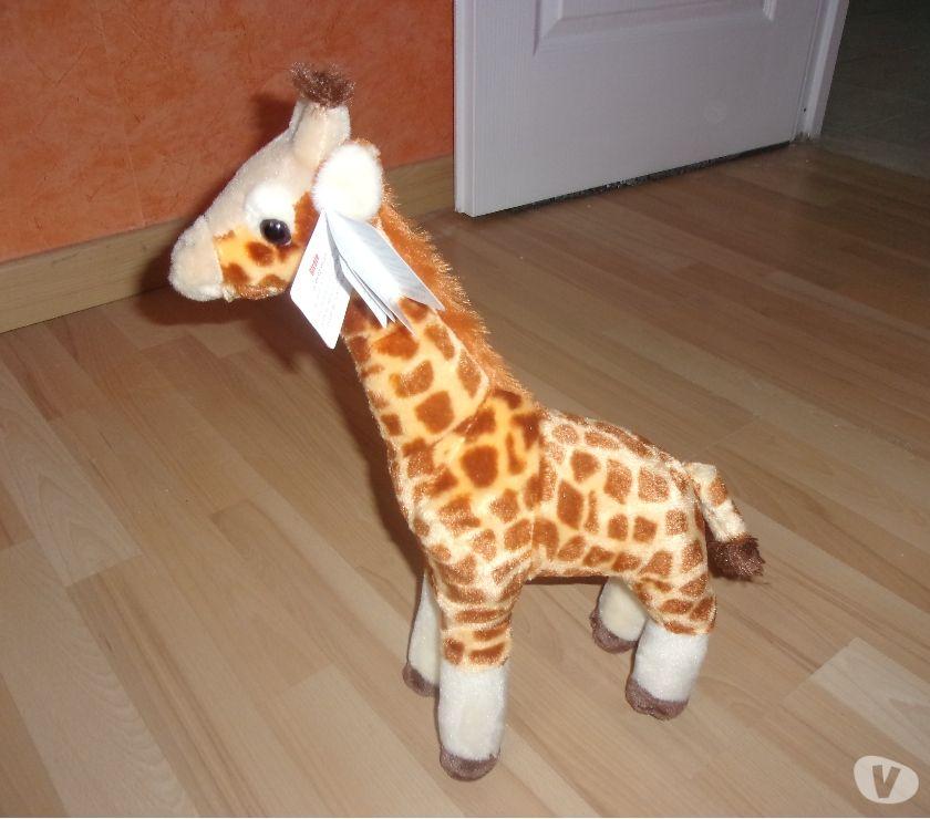 Photos Vivastreet Peluche en forme de Girafe 43 cm (Neuve)