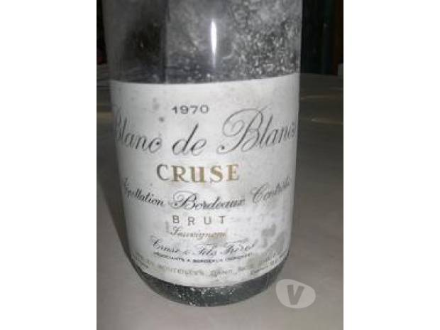 Photos Vivastreet 17 bouteilles de vin blanc 1970