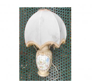 Photos Vivastreet LAMPE DE CHEVET ANCIENNE EN CÉRAMIQUE DÉCORS FLEURS