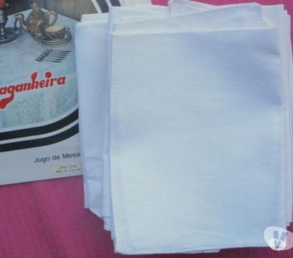 Photos Vivastreet VINTAGE 12 serviettes de table en coton blanc NEUF