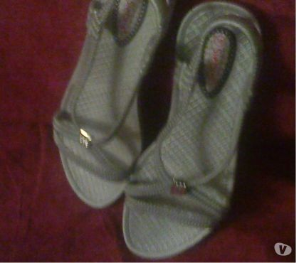 Photos Vivastreet sandales de bain