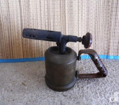 Photos Vivastreet Lampe à souder ancienne en cuivre avec réservoir