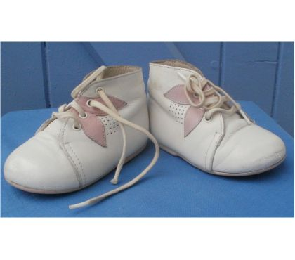 Photos Vivastreet Chaussures vintage JANBY Taille 18
