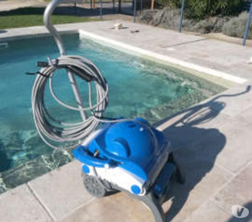 Robot nettoyage piscine leader clean neuf st raphael for Robot piscine occasion