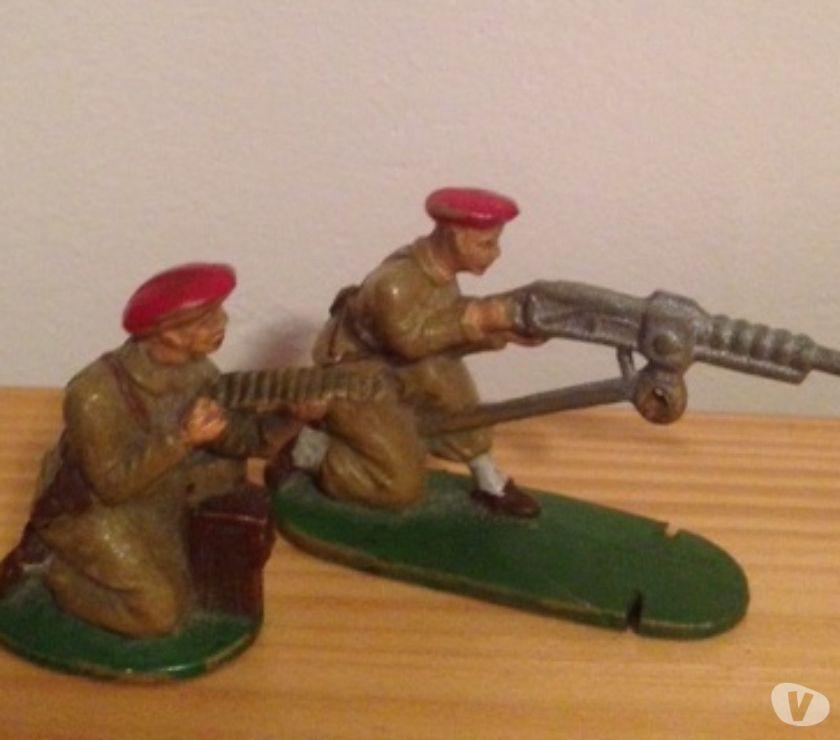 Photos Vivastreet 2 Figurines Soldats BERET ROUGE