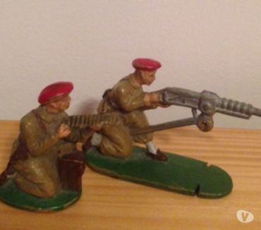 Photos Vivastreet 2 Figurines Soldats BERET ROUGE